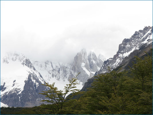 <strong>Cerro Torre tra le nuvole</strong><br /> <br /><em>♫ Chick Corea & Gary Burton - Crystal Silence - Crystal Silence.mp3</em>